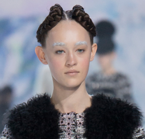 PFW BEST HAIR BY WENDY ILES - MONCLER GAMME ROUGE