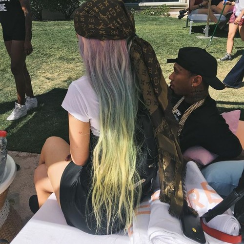 iles-formula-kylie-jenner-coachella-rainbow-hair-louis-vuitton