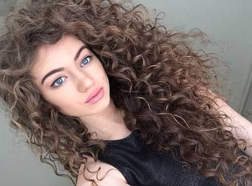 The Curl Friends Guide To Thirsty Curls - Styling really curly hair