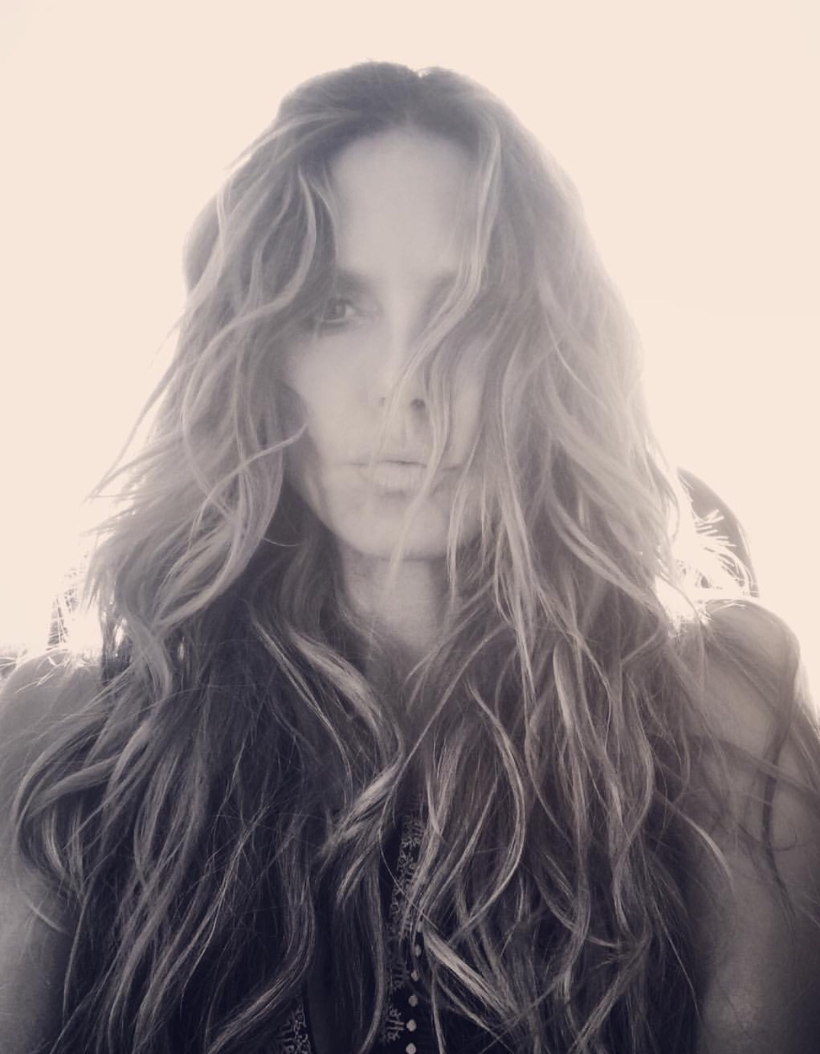 A Step By Step Guide To Heidi Klum Beach Waves