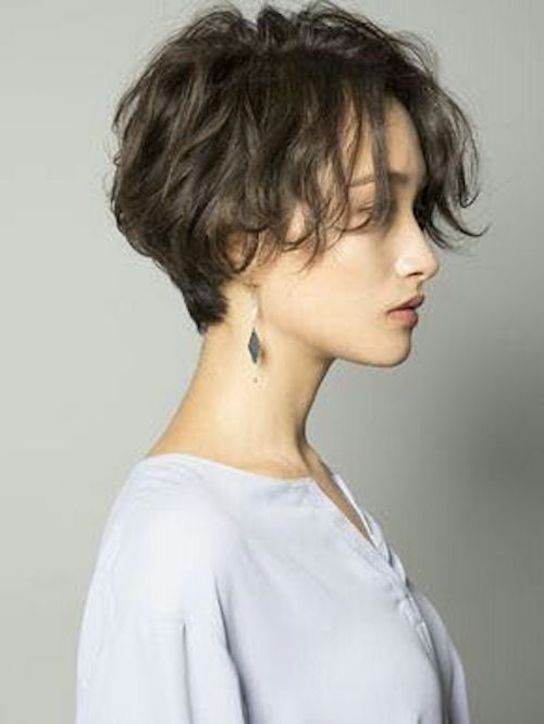 Tips From The Pros For Growing Out Your Hair