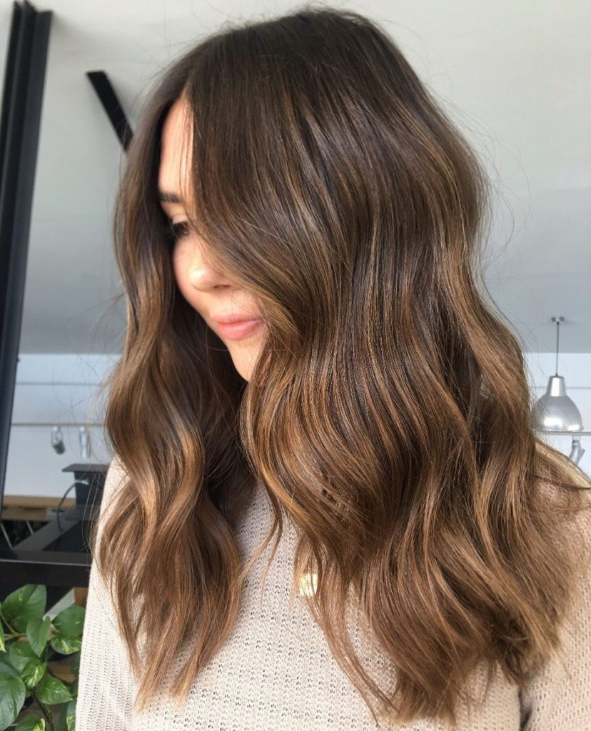 Brown hair with highlights - hair color 2019 - fall color 2019