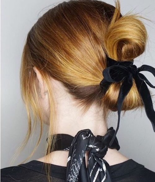Christmas hair - Christmas hairstyles - 2020 hairstyle trend - fancy holiday hairstyles - really easy hairstyles - half up hair style - accessories - black ribbon