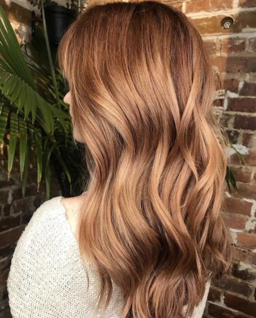 Iles Formula's Hair Ideas: 5 Spectacular 2020 Hair Color Trends for Everyone - 2020 hairstyle trend - Honey Blondes - strawberry blondes