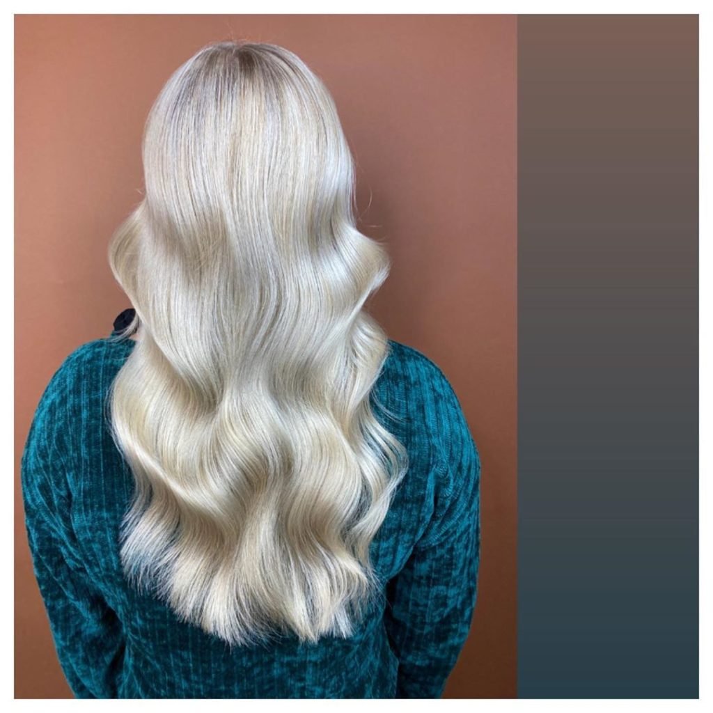 Iles Formula's Hair Ideas: 5 Spectacular 2020 Hair Color Trends for Everyone - 2020 hairstyle trend - Platinum Blonde Hair - wavy hair