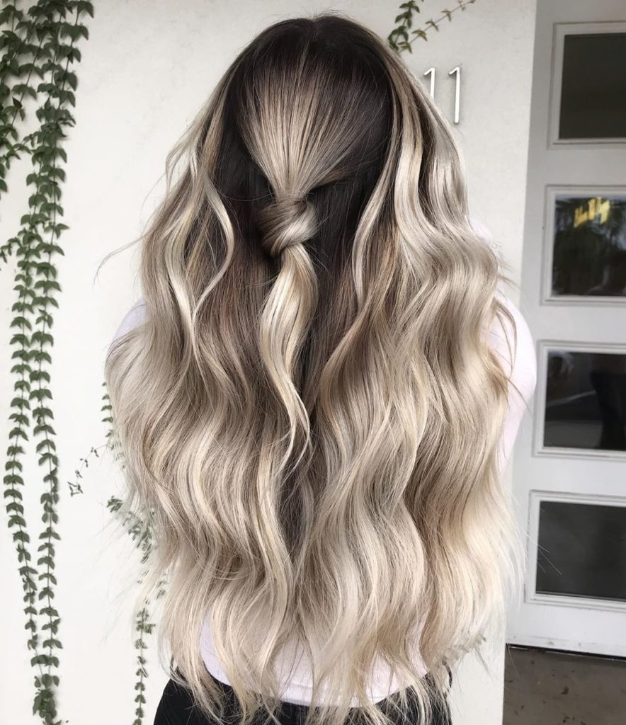 Iles Formula's Hair Ideas: 5 Spectacular 2020 Hair Color Trends for Everyone - 2020 hairstyle trend - Platinum Blonde Hair with chocolate brown shadow roots