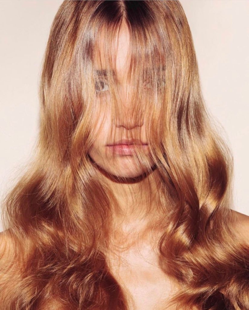 HAIR TALK Paul Desmarre - Wavy blonde