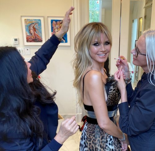 Oscars 2020 - Heidi Kllum - with Wendy iles - celebrity hairstylist - Blonde wavy hair - Red carpet hair 2020 - blonde - Get ready with Heidi Klum at the Oscars, hair coiffed by Wendy using Iles Formula