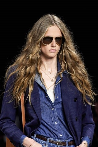 2020 long hairstyles - hair trend 2020 - One-length Long Hair - 70s hair - Celine