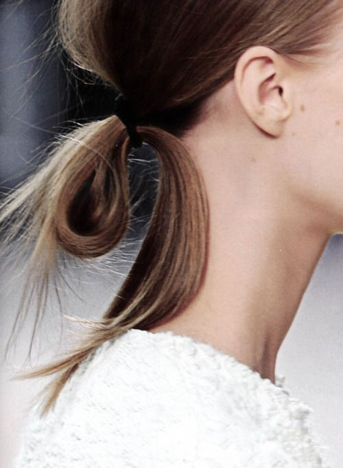 7-quick-and-effortlessly-cool-hairstyles-for-busy-women-with-long-hair