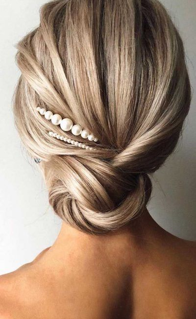 6-inspiring-modern-spring-wedding-hairstyles-2021